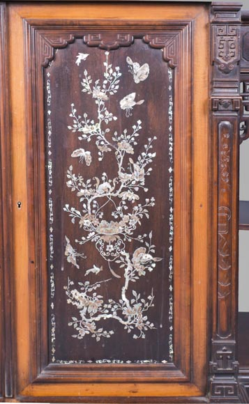 Japanese style cabinet bottom decorated with birds and mother-of-pearl butterflies-5