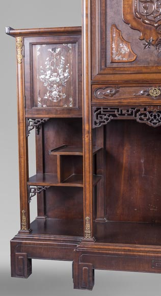 Gabirel VIARDOT (1830-1906) - Japanese style shelf cabinet with mother of pearl decoration-4