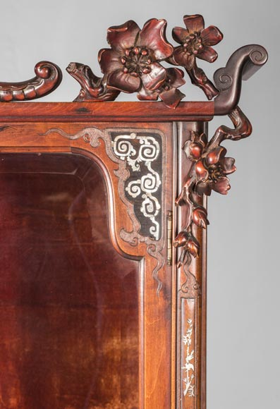 Display cabinet inspired by the Far East-14