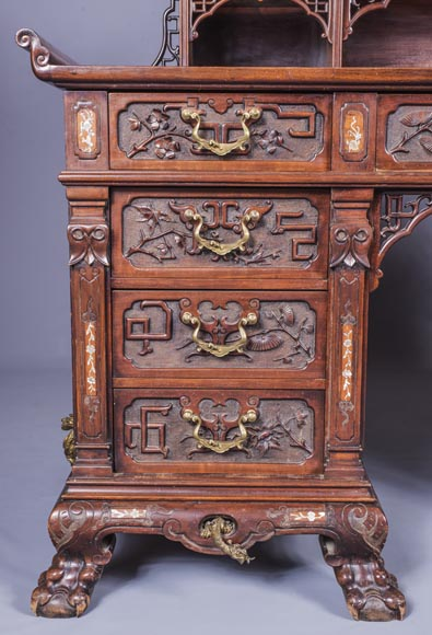 Important japanese style pedestal desk with dragons decoration-2