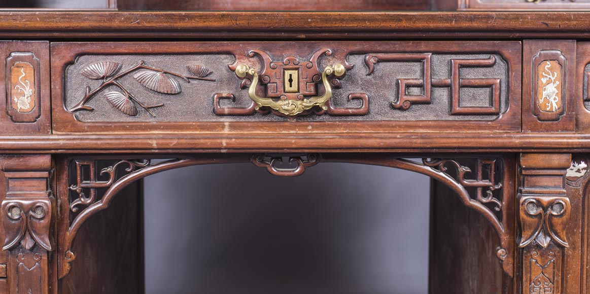 Important japanese style pedestal desk with dragons decoration-5