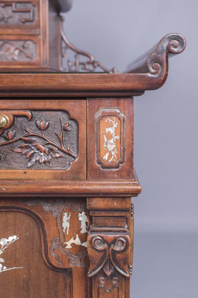 Important japanese style pedestal desk with dragons decoration-7