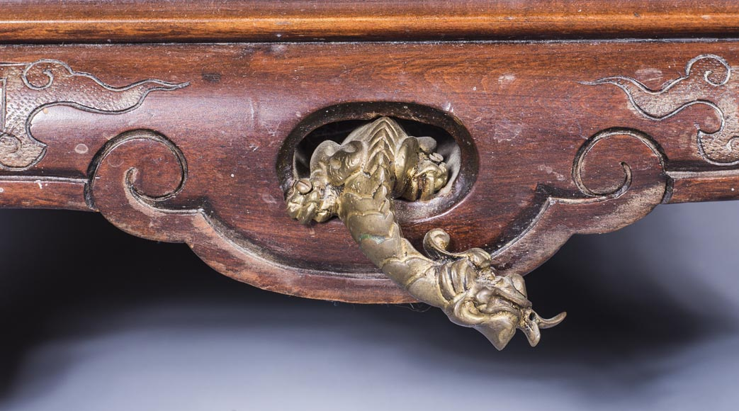 Important japanese style pedestal desk with dragons decoration-9