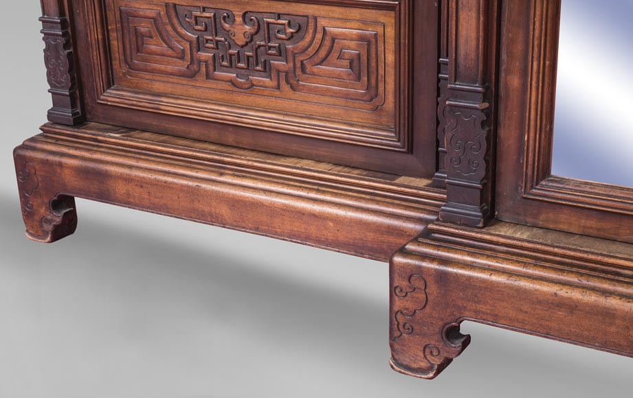 Gabriel VIARDOT (attributed to) - Asymmetrical cabinet with rich engraved and sculpted decoration of extreme oriental inspiration-11