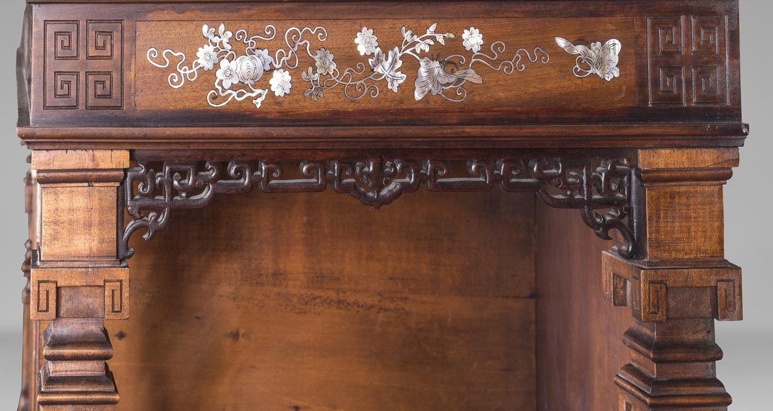 Shelves cabinet of Far Eastern inspiration, decorated with floral vases in mother-of-pearl and ivory-6