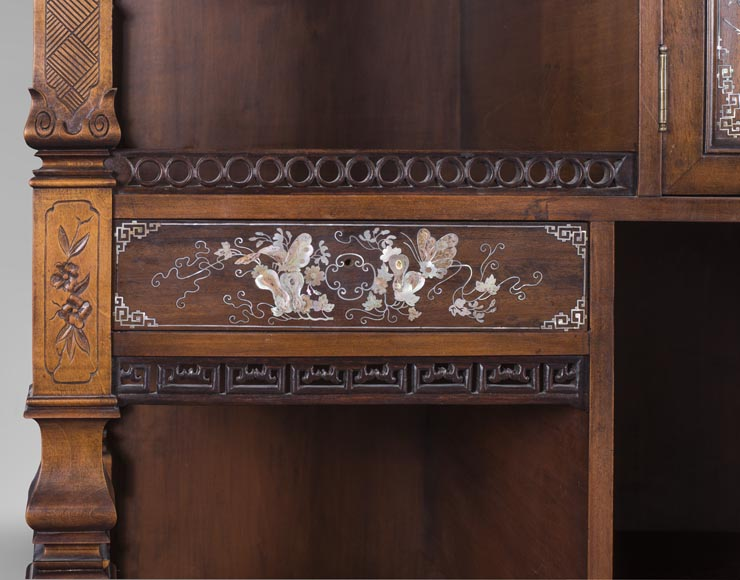 Shelves cabinet of Far Eastern inspiration, decorated with floral vases in mother-of-pearl and ivory-8