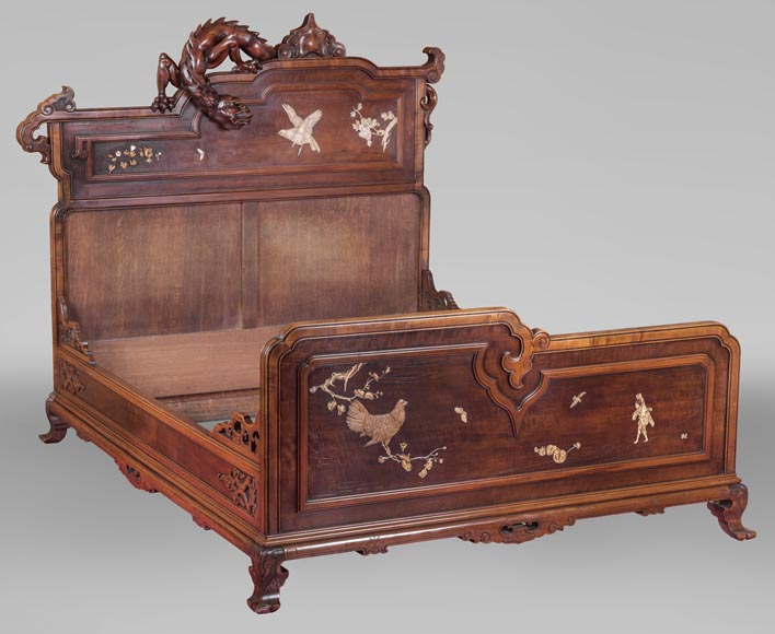 Antique bed of Far Eastern inspiration with engraved and inlaid bone decoration-0