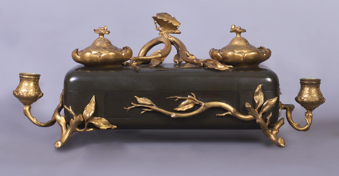 Frédéric-Eugène PIAT (1827-1903) (model by) for Maison PERROT (bronze maker) - Elegant japonese-style inkwell with butterfly-0