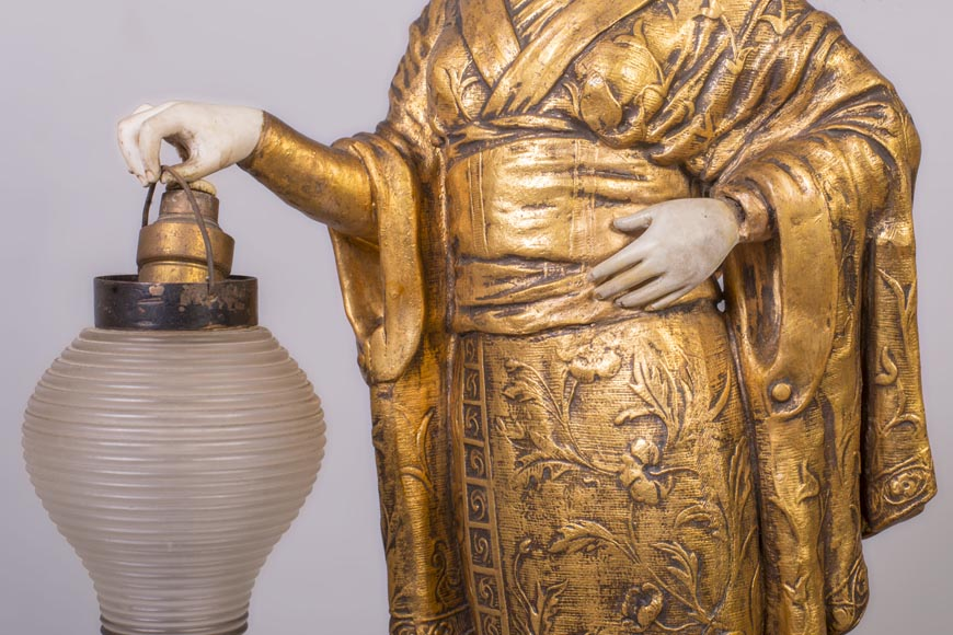 Dominique ALONZO (actif 1910-1930), Japanese style bedside lamp, made of biscuit, spelter and glass globe, representing a Japanese woman holding a lantern-5