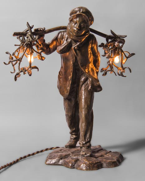 Antoine BOFILL (actif 1894-1939) - Young mistletoe carrier, bronze sculpture with brown patina -1
