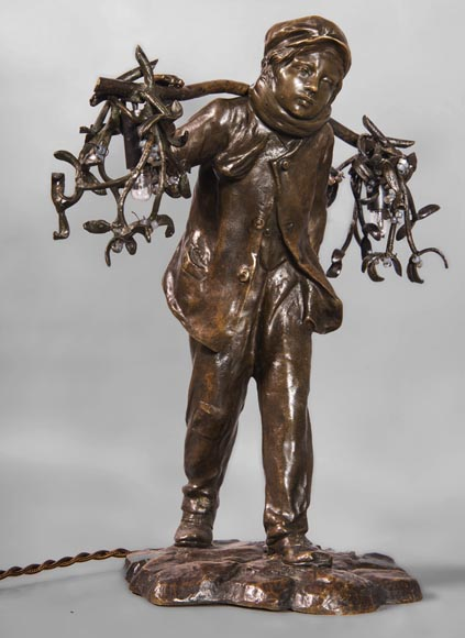 Antoine BOFILL (actif 1894-1939) - Young mistletoe carrier, bronze sculpture with brown patina -2