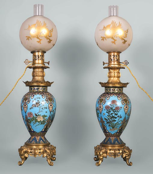A pair of Japanese style lamps with elephant heads-0