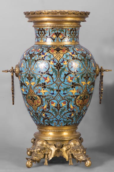 Beautiful pair of Orientalist style vases in cloisonné enamels after a model by Edouard Lièvre-1