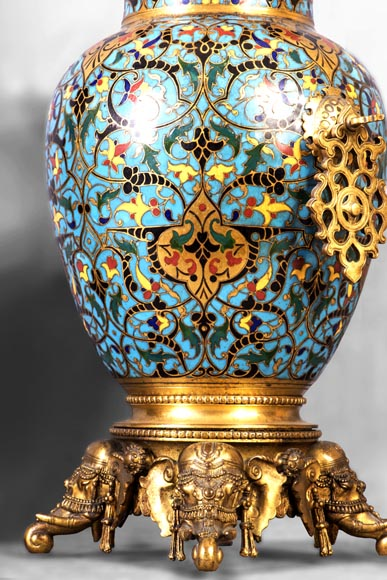 Beautiful pair of Orientalist style vases in cloisonné enamels after a model by Edouard Lièvre-7