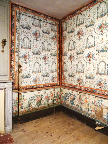 A beautiful set of polychrome wallpaper from a room-0
