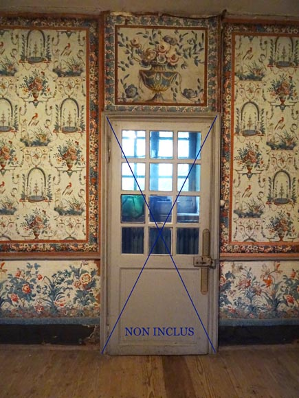 A beautiful set of polychrome wallpaper from a room-4