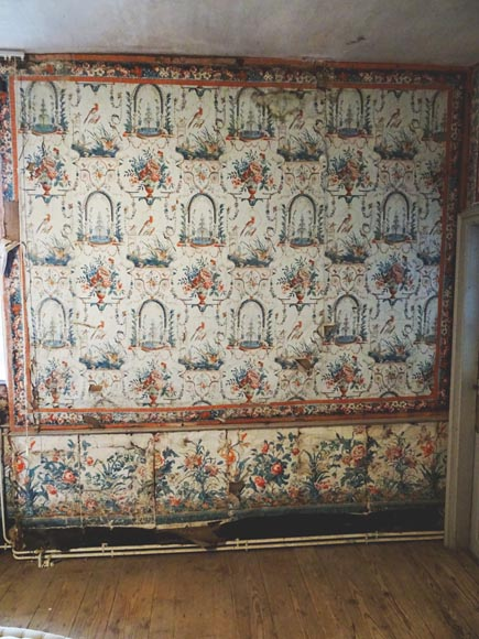 A beautiful set of polychrome wallpaper from a room-9