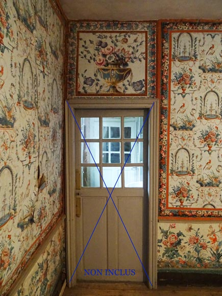 A beautiful set of polychrome wallpaper from a room-10