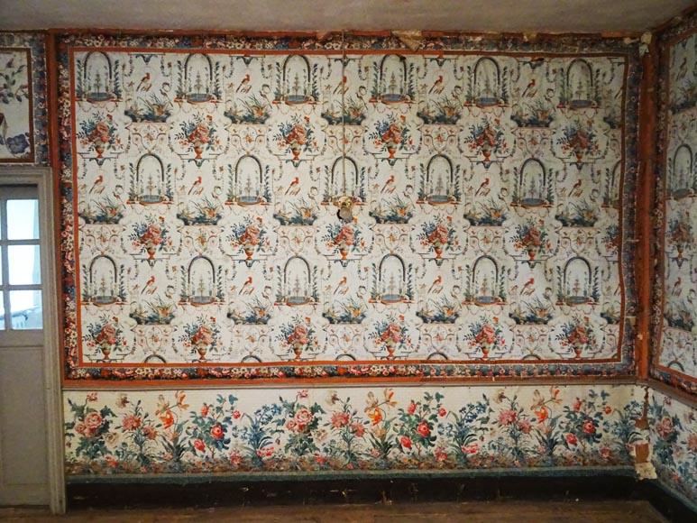 A beautiful set of polychrome wallpaper from a room-11