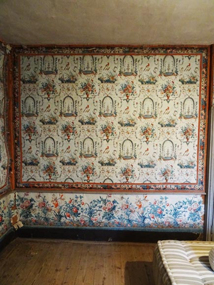 A beautiful set of polychrome wallpaper from a room-12