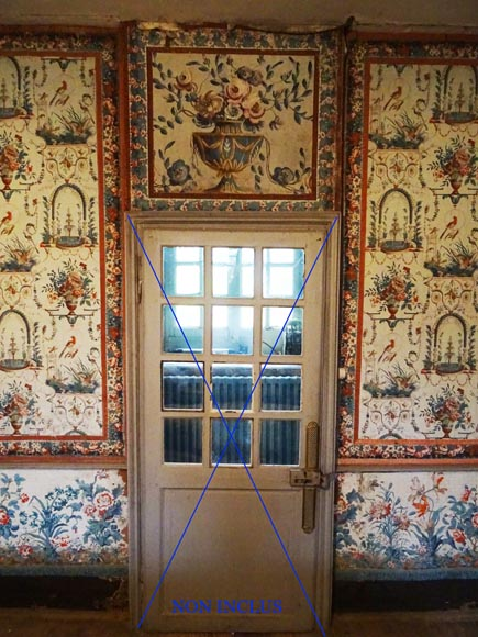 A beautiful set of polychrome wallpaper from a room-13