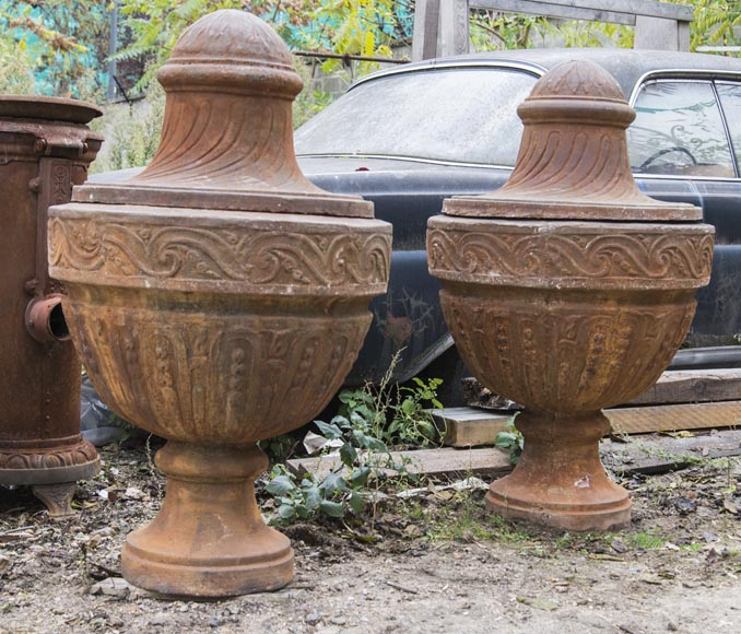 A pair of Louis XVI period vases made out of cast iron-2