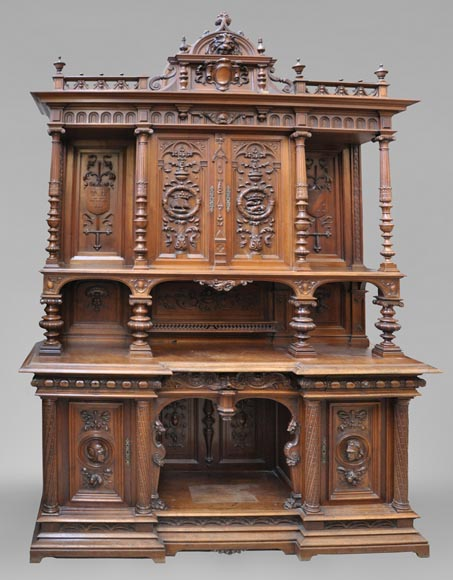 Large Neo-Renaissance style buffet in carved walnut with Louis XII and Francis I of France emblems-0