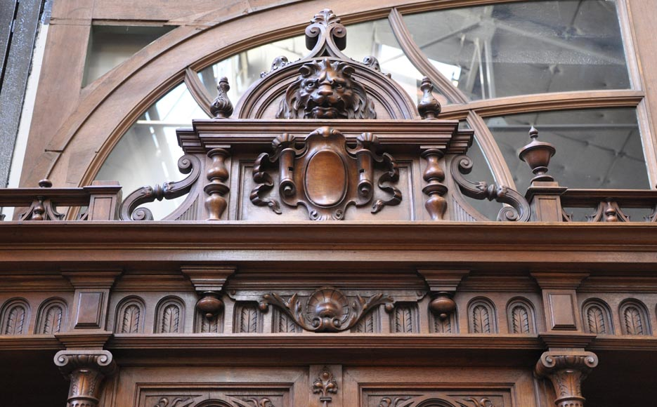 Large Neo-Renaissance style buffet in carved walnut with Louis XII and Francis I of France emblems-4