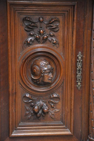 Large Neo-Renaissance style buffet in carved walnut with Louis XII and Francis I of France emblems-10
