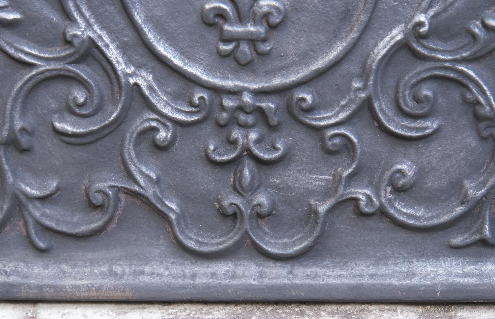 Little cast iron fireback with the French coat of arms-4
