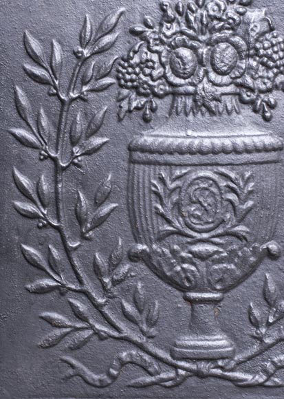 Small Louis XVI style fireback with floral vase decoration-3