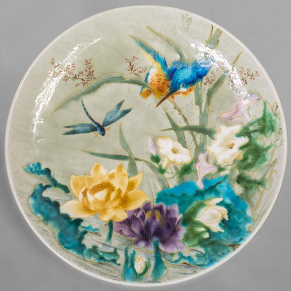 Théodore DECK (1823-1891) - Glazed earthenware dish decorated with a flying dragonfly and a kingfisher-0