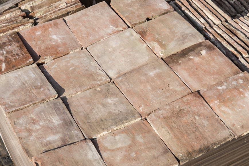 Little set of terracotta floor tiles in square shape - Floors