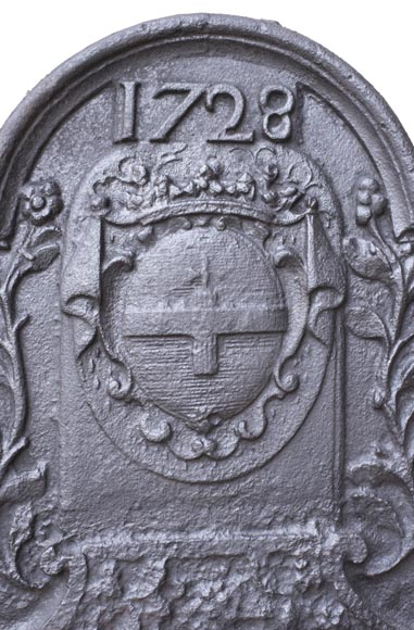Fireback with La Porte-Mazarin family's coat of arms dated 1728-2