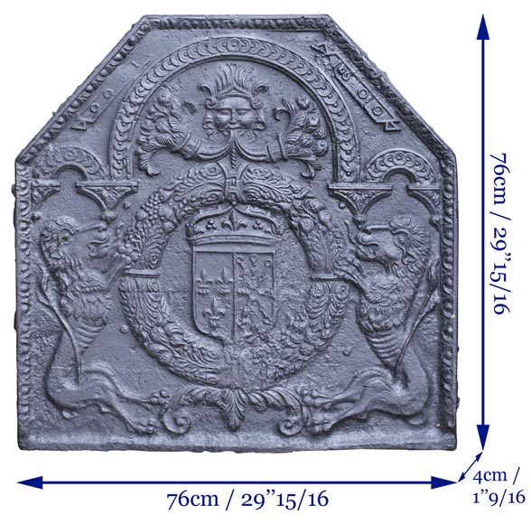 18th century fireback with French arms and lions-8