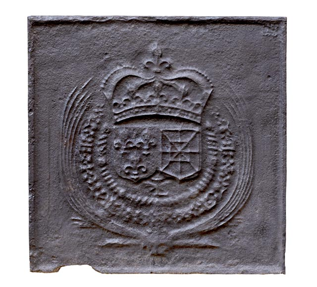 18th century fireback with French and Navarre arms-0