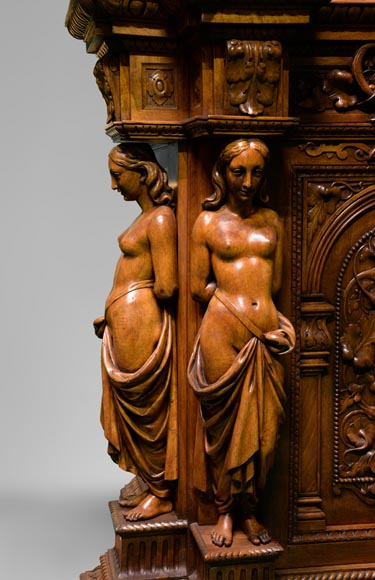Claude-Aimé CHENAVARD (Att. to) - Important neo-Renaissance style cupboard with caryatids in carved walnut-3