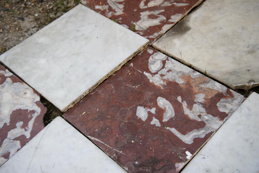 Marble floor composed of checkered floors in Carrara and Rouge du Languedoc-3