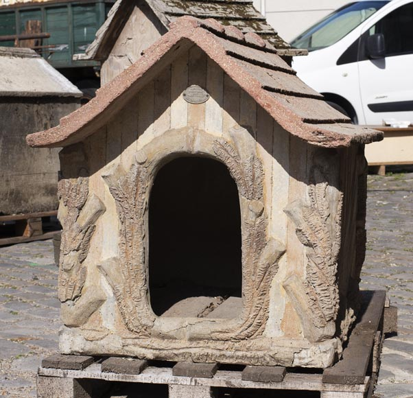Beautiful cement doghouse in Rocaille style-1