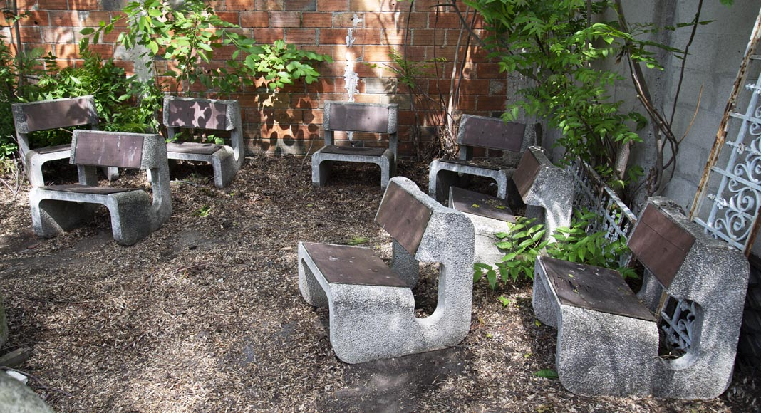 Denis MOROG (1922-2003) - Concrete garden furniture from the 1960s to 1970s-0