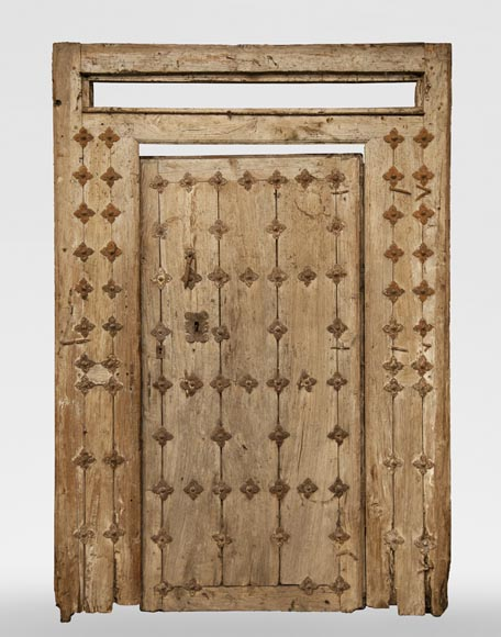 Entrance door and its frame of Spanish origin from the 18th century-0