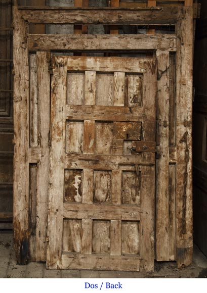 Entrance door and its frame of Spanish origin from the 18th century-8