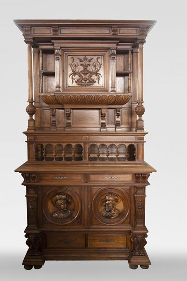 Neo-Renaissance style cupboard in walnut carved with portraits in medallions-0