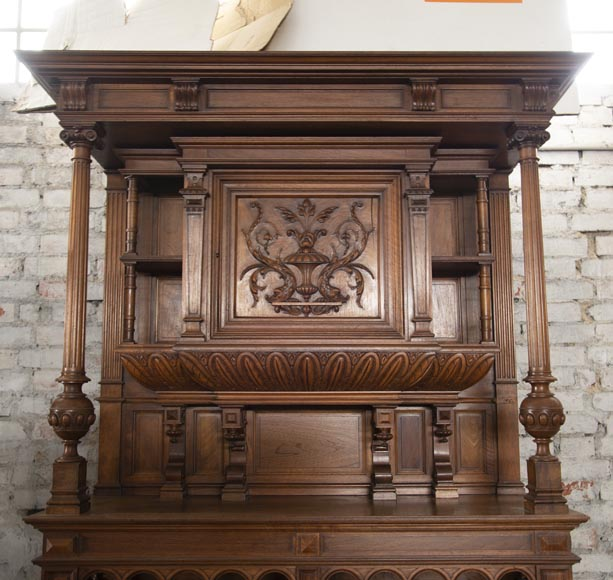 Neo-Renaissance style cupboard in walnut carved with portraits in medallions-1