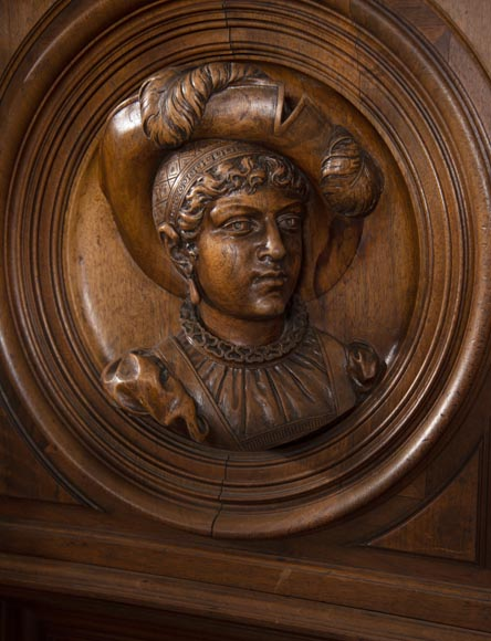 Neo-Renaissance style cupboard in walnut carved with portraits in medallions-7