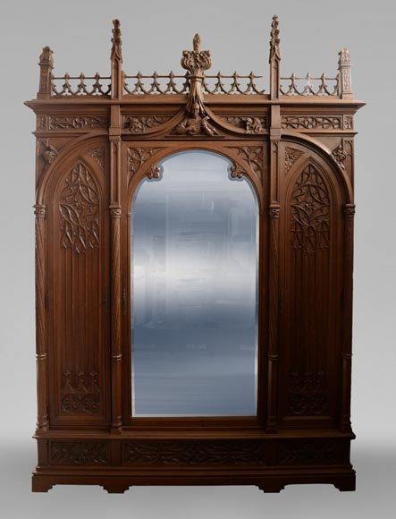 Set of bedroom furniture in carved oak, Neo-Gothic style-1