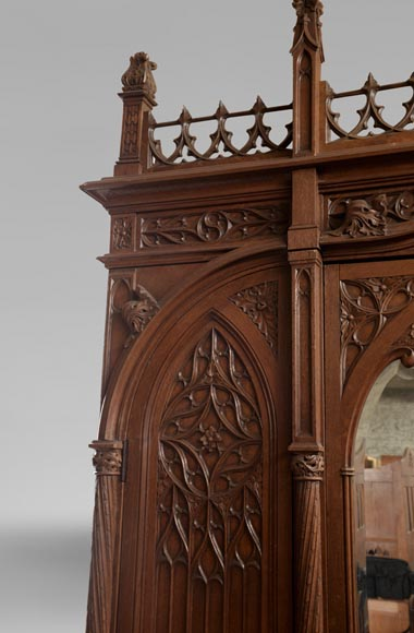 Set of bedroom furniture in carved oak, Neo-Gothic style-3