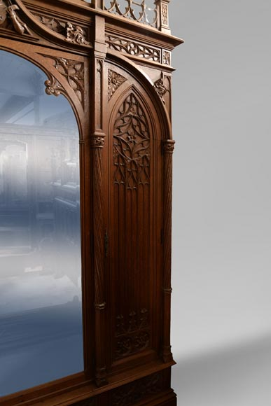 Set of bedroom furniture in carved oak, Neo-Gothic style-4