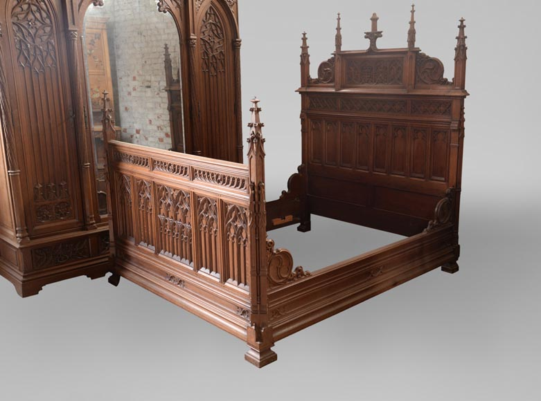 Set of bedroom furniture in carved oak, Neo-Gothic style-5