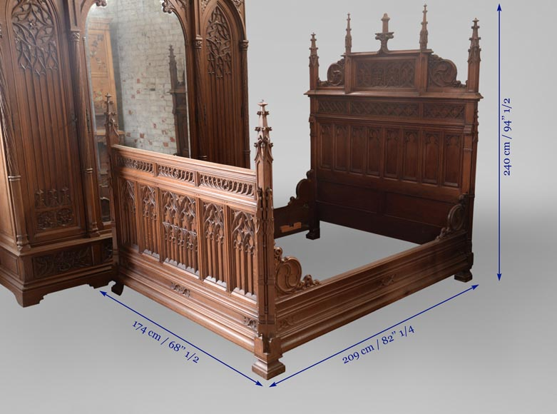 Set of bedroom furniture in carved oak, Neo-Gothic style-12
